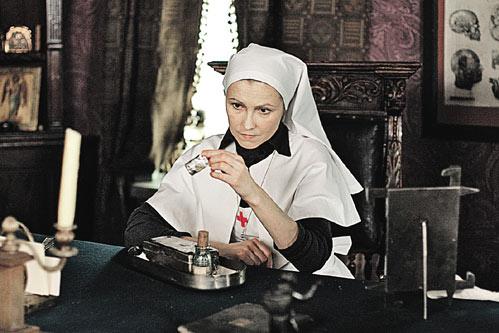 Героиня Ингеборги Дапкунайте открыла для себя склянку с морфием.